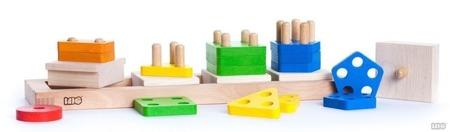 Drewniana piramida do układania z dziurkami i wyjmowanymi klockami, BAJO