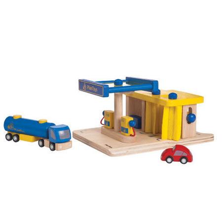 """Drewniana stacja benzynowa - zestaw do zabawy """"tankowanie na stacji"""", Plan Toys"""