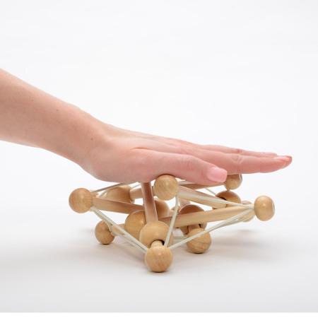 Drewniana zabawka dla niemowlaka - elastyczna bryła, gryzak Manhattan Toy