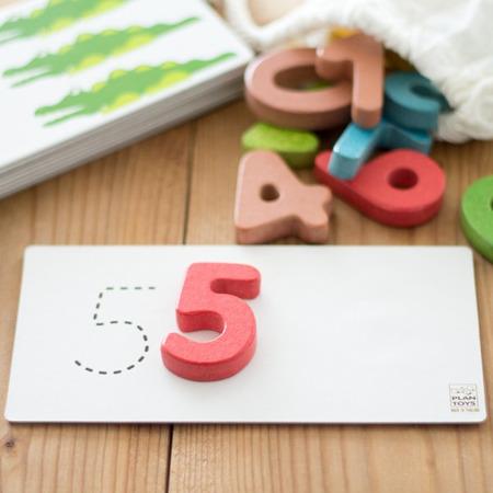 Drewniane cyferki do nauki liczenia, klocki cyferki 1-10, Plan Toys