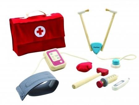Drewniany zestaw Mały Doktor - zestaw lekarz dla dzieci: stetoskop, ciśnieniomierz, walizeczka, Plan Toys