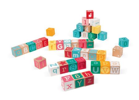 Klocki drewniane z matą do zabawy Kubix 40 sztuk Litery i cyfry, JANOD