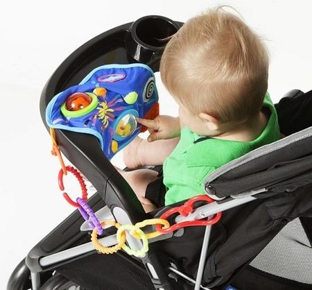 Niebieski kocyk z gryzakiem dla niemowlaka z zabawkami, Manhattan Toy